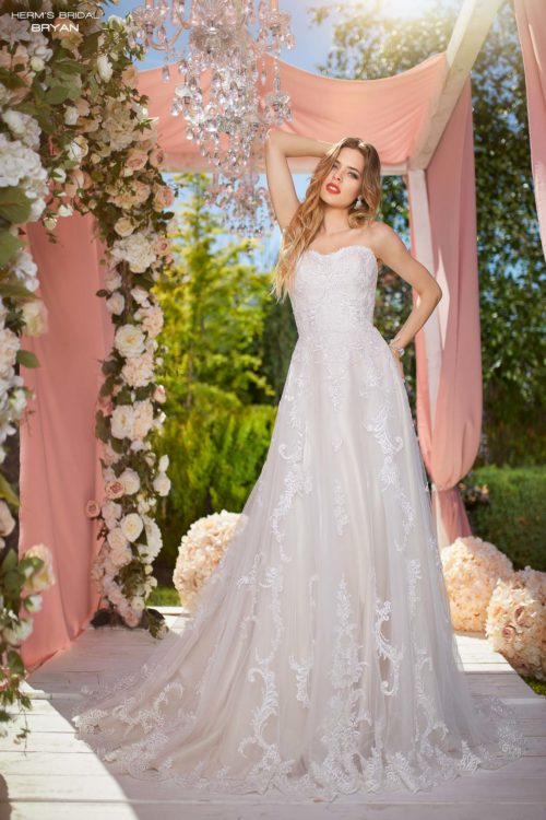 wedding dress Herm's Bridal Bryan