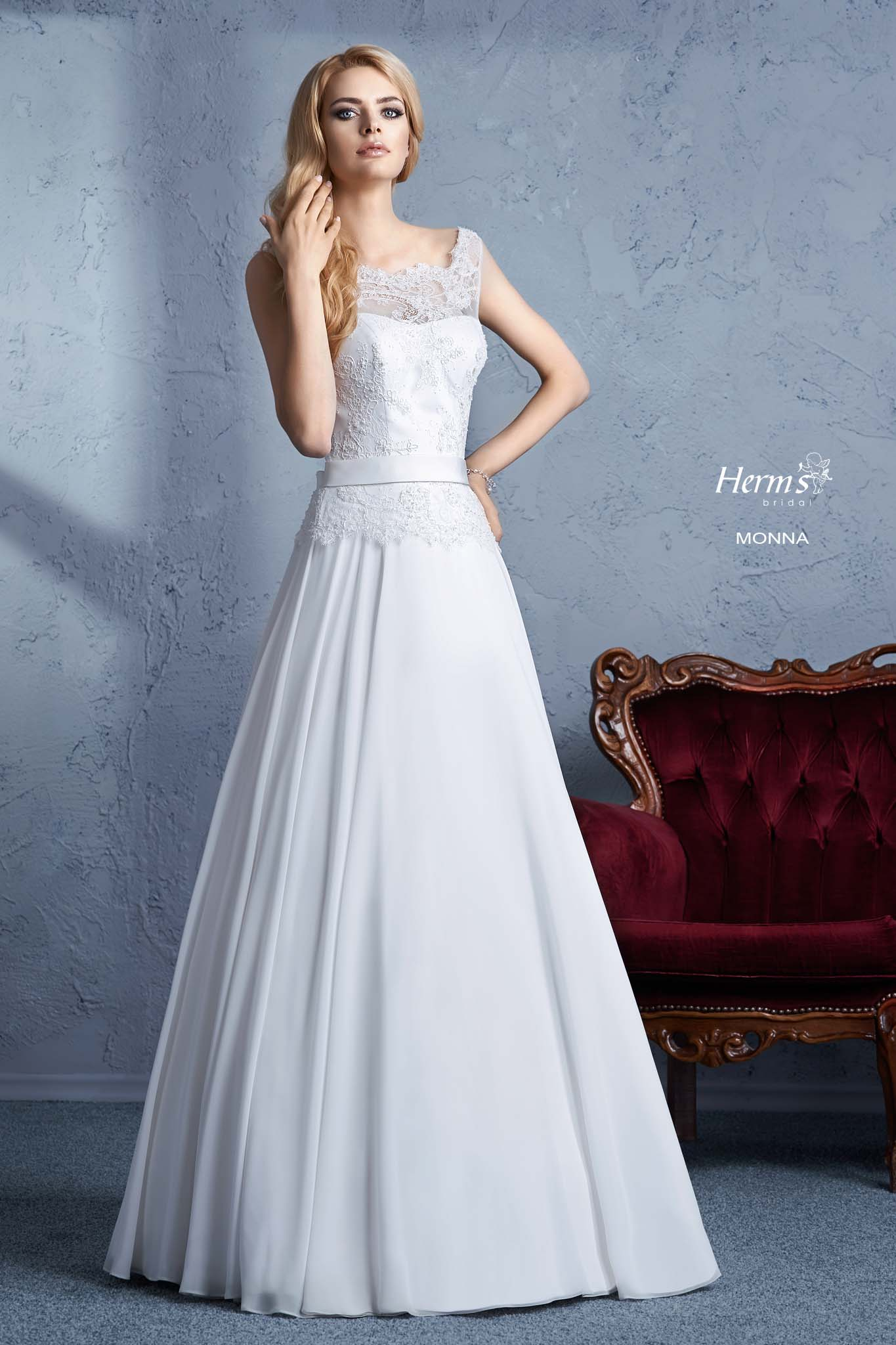 wedding dress Herm's Bridal Monna